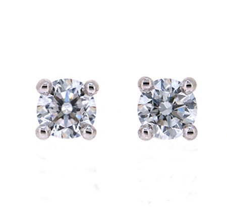 four claw diamond stud earrings | B19565