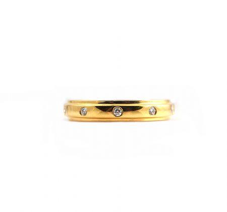 Yellow Gold Hammer Set Diamond Wedding Ring | B17859