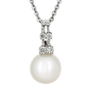 fresh water pearl pendant | B17863