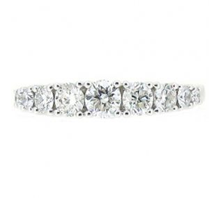 graduating diamond ring | B19022