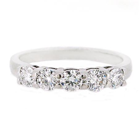 diamond wedding band | B19736