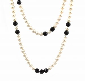 Fresh Water Pearl and Onyx Strand | B18574