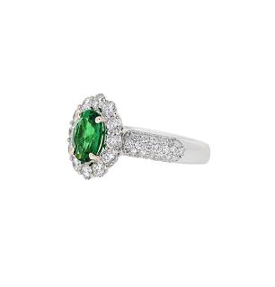 Emerald Ring   B18970