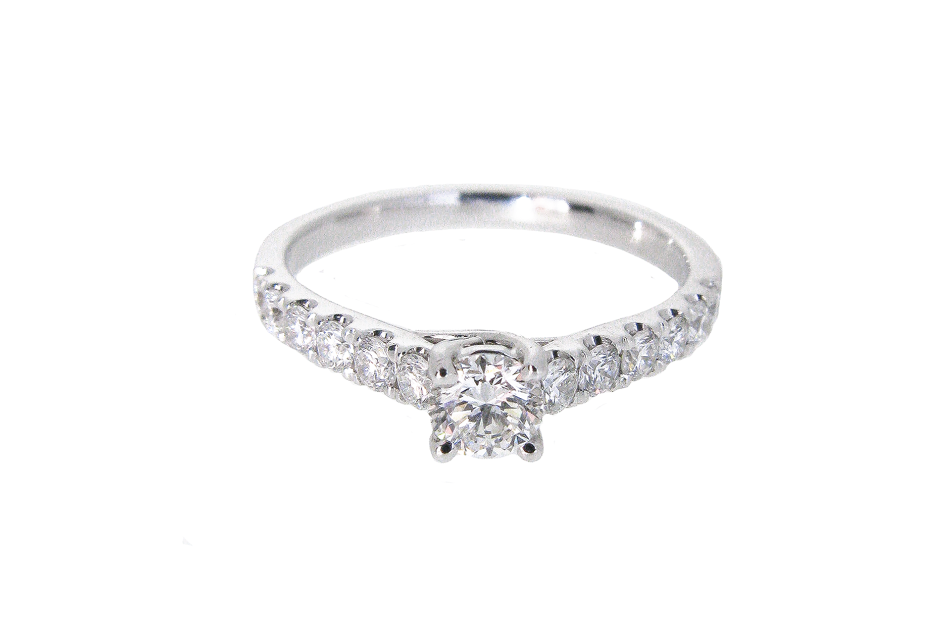 Round Brilliant Cut Diamond Engagement Ring | B21010