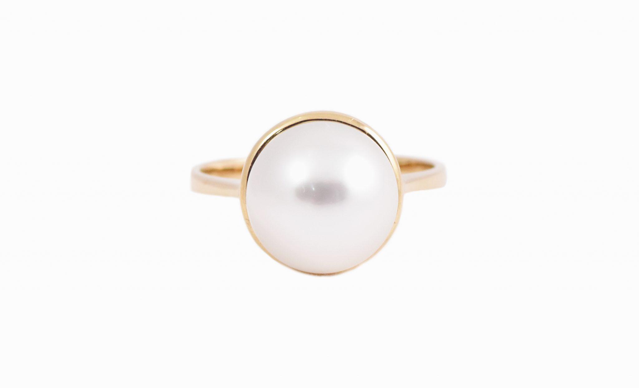 Yellow Gold Bezel Set South Sea Pearl Ring   B21406