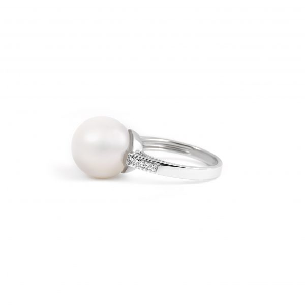 Diamond And South Sea Pearl Ring | B21410