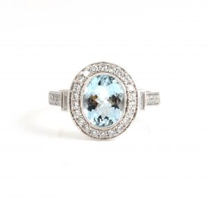 Aquamarine and diamond dress ring |B22810