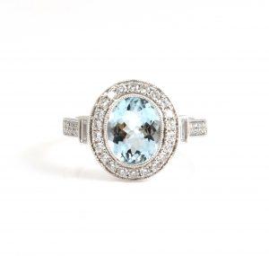 Aquamarine and diamond dress ring |B22810