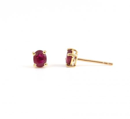 Ruby oval stud earrings | B22814