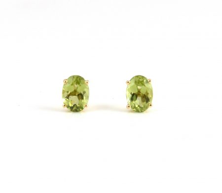 Peridot four claw stud earrings | B22815