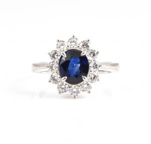 Sapphire oval and diamond dress ring | B22823
