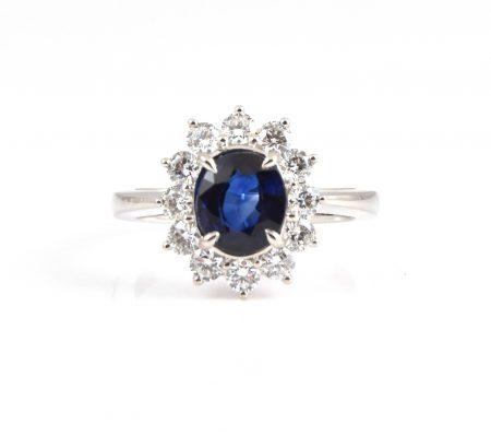 Sapphire oval and diamond dress ring | B22823