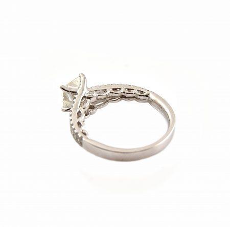Radiant Cut Diamond Engagement Ring | B23138
