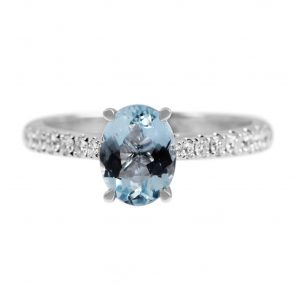 oval aquamarine ring 1.02t and diamond band with 16 round brilliant cut diamonds 0.27ct in 18K white gold